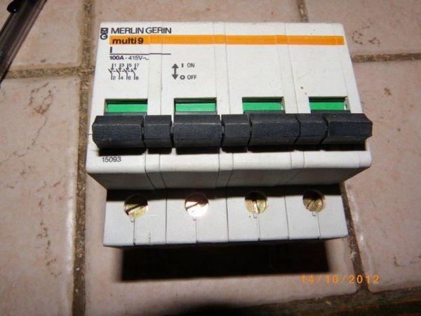 Interrrupteur 4x100A 20 Nantes (44)