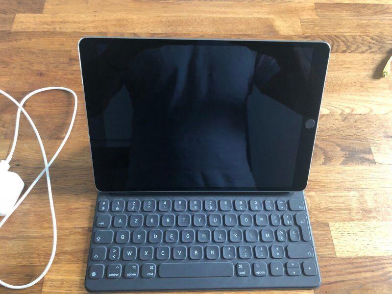 """iPad Pro 256 Go Gris sidéral 10.5"""" + Clavier Neuf Téléphones et tablettes"""