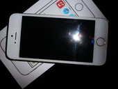 iphone 5 S avec chargeur et ecouteurs 420 Montpellier (34)