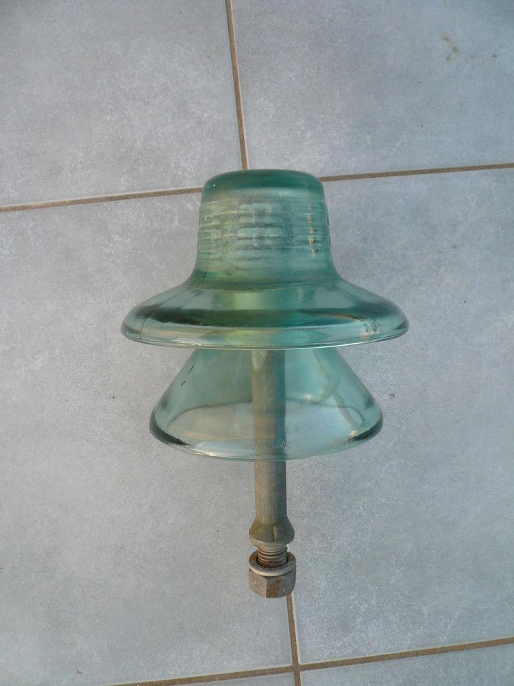 Isolateur EDF avec support droit 15 Boisset-et-Gaujac (30)
