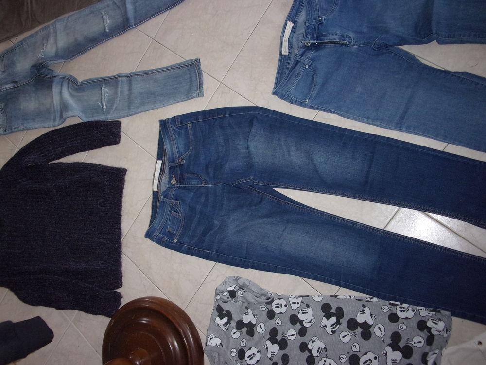un jean blanc un jean noir uni un jean bleu clair 3 Annonay (07)