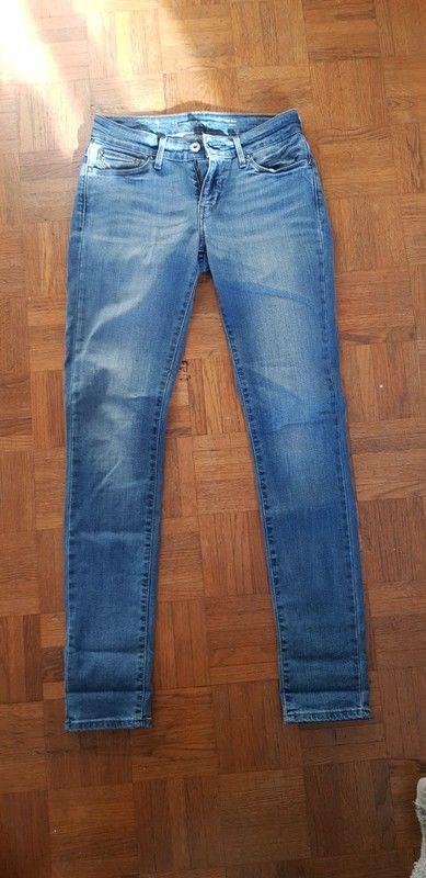 Jean levis demi curve 26 skinny bleu jamais porté 30 Lille (59)