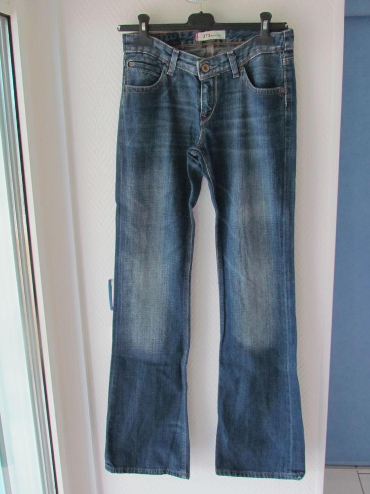 Jeans femme lewis neuf taille 38 50 Le Grau-du-Roi (30)