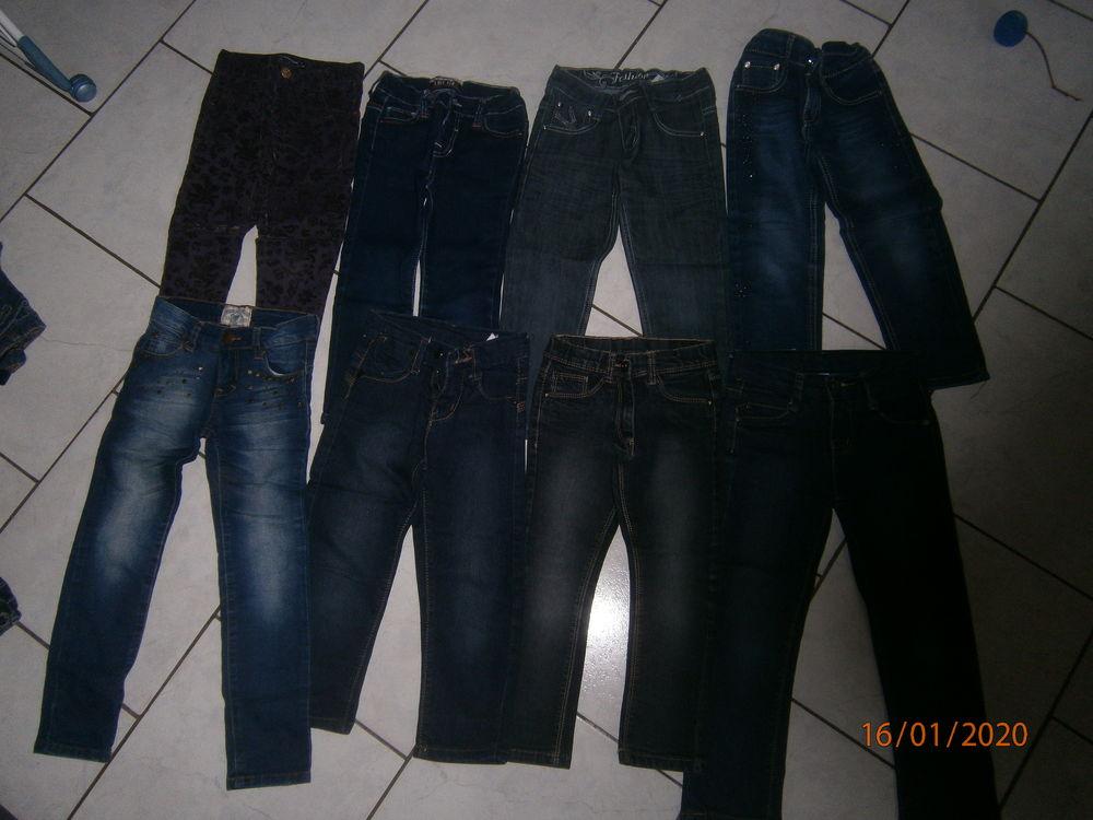 jeans fille 4 et 5 ans 3 Divion (62)
