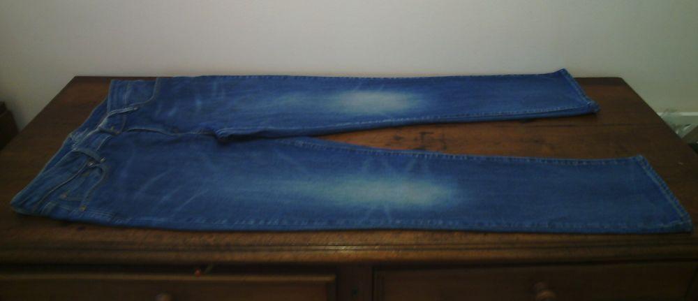 jeans Levi's W29 L32 demi curve slim leg - TBE 20 Reims (51)