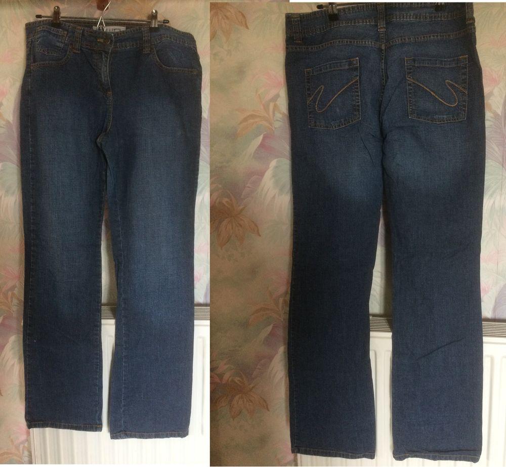 lot de 2 jeans taille 46 de marque BWD 20 Les Églisottes-et-Chalaures (33)