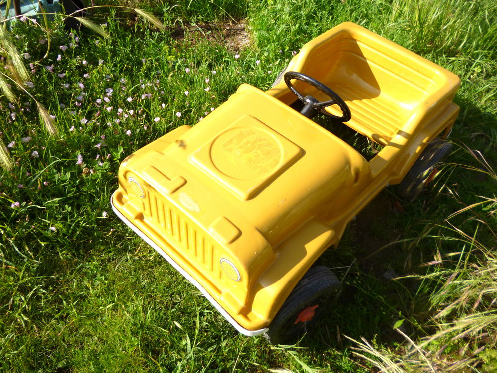 JEEP ROSCA VOITURE A PEDALES FIN ANNEES 60 Jeux / jouets