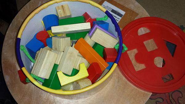 2 JEUX CONSTRUCTION Jeux / jouets