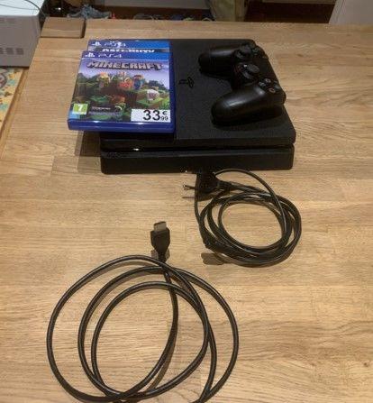 PS4 + 5 jeux + 1 manette 225 Lyon 8 (69)