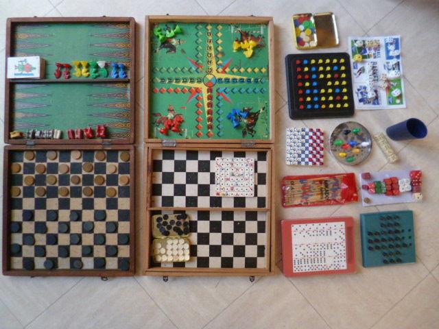 JEUX DE SOCIETE, PUZZLES, livre de jeux .... 10 Martigues (13)