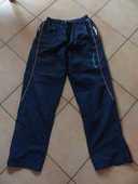 jogging taille M  10 Viriat (01)
