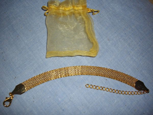 joli bracelet neuf jamais porté doré à l'or fin, larg 7 mms 8 Dunkerque (59)