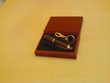 Joli écrin avec torche porte clé merisier N°853 Bijoux et montres