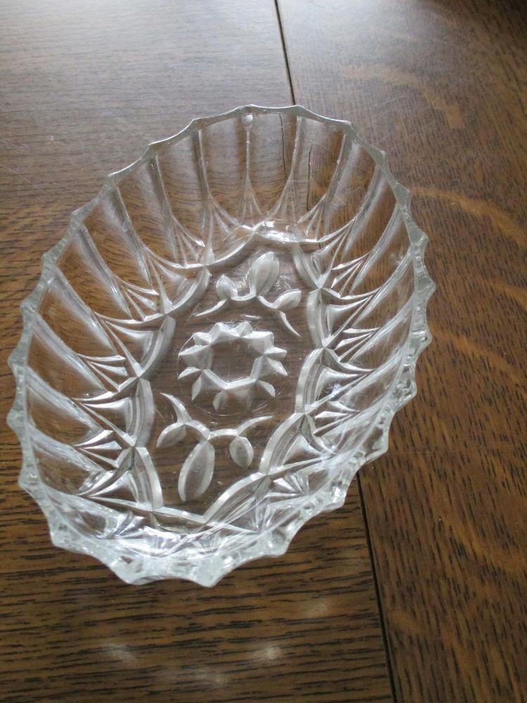 joli petit ravier ovale transparent en pyrex Décoration