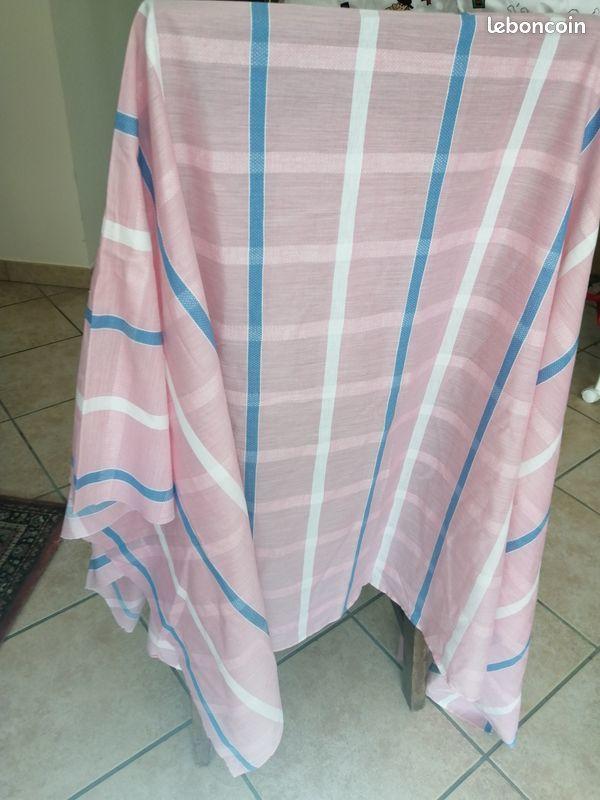 Joli tissu fin rayures verticales 18 Halluin (59)