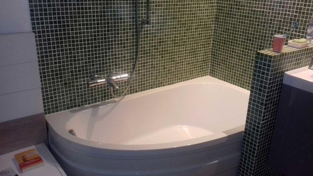 Jolie baignoire avec angle arrondi 60 Nice (06)