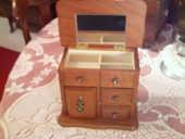 Jolie commode ancienne boite à bijoux N° 269 12 Bragny-sur-Saône (71)