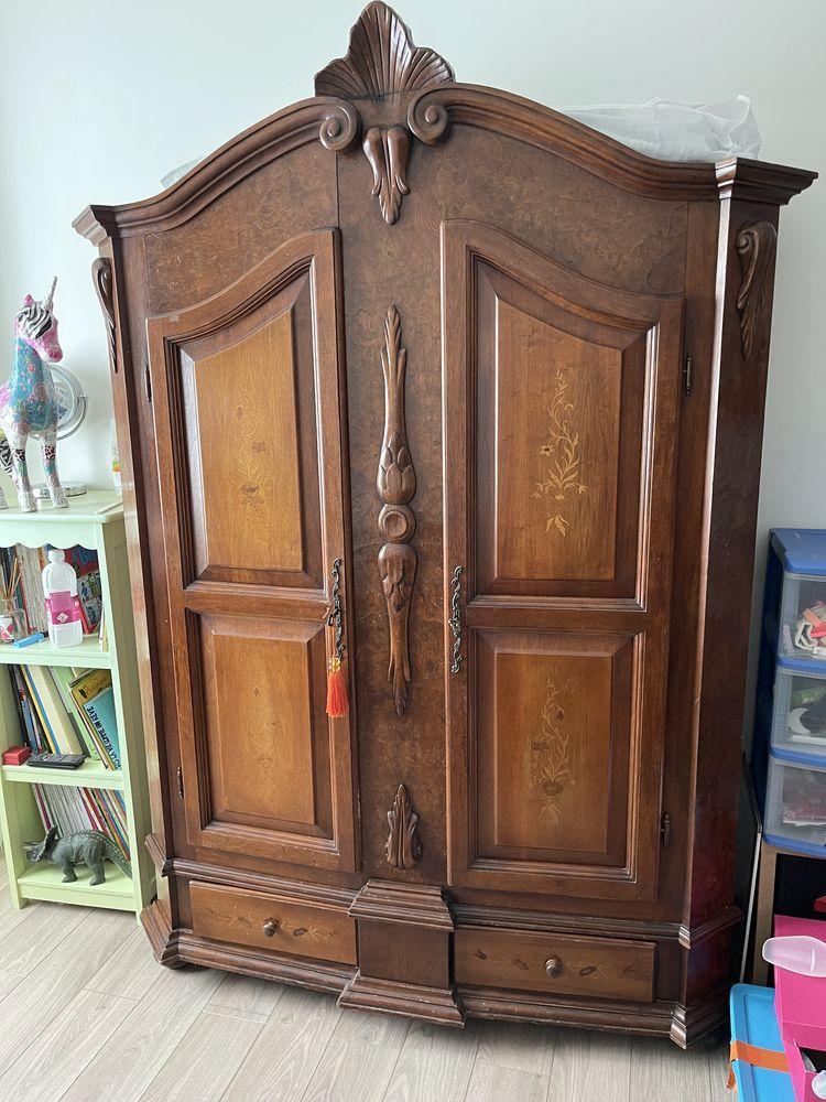 Jolie petite armoire 2 portes 130 Garons (30)