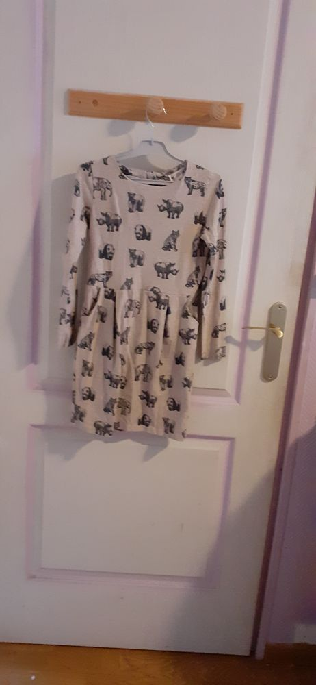 Jolie robe fille H&M 8-10 ans 4 Mons-en-Barœul (59)