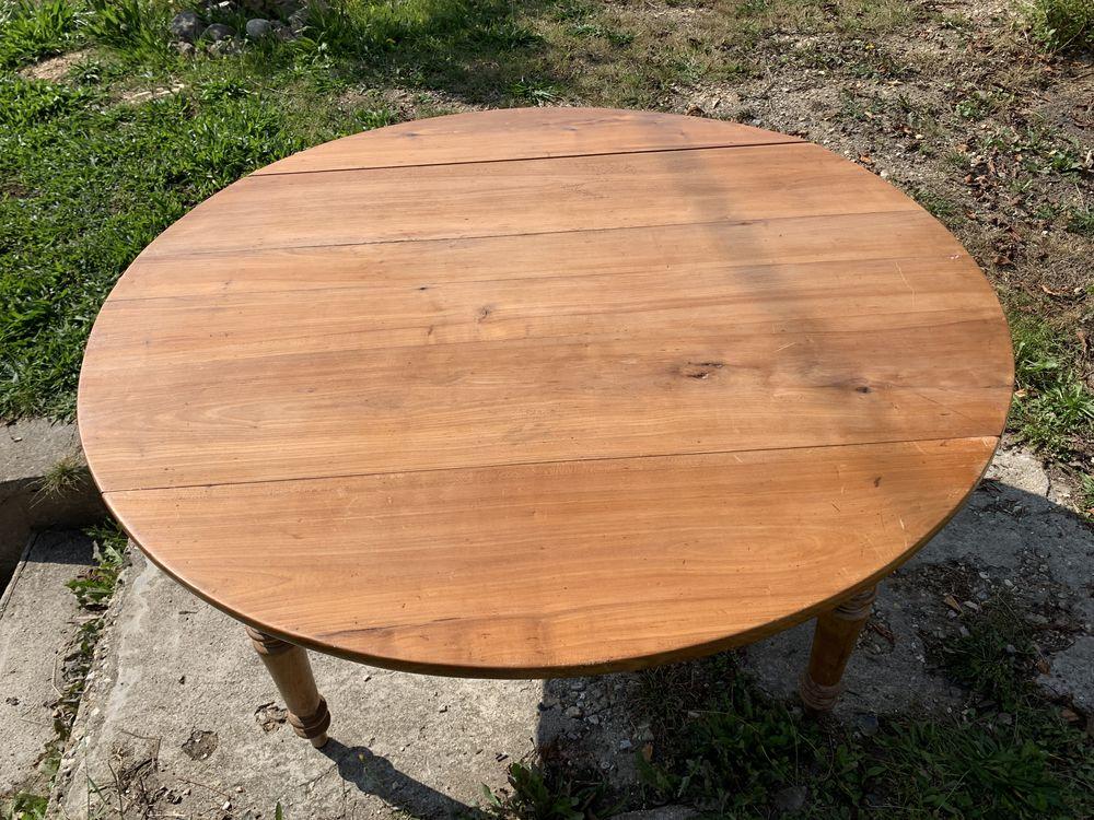 jolie table ancienne en merisier ou noyer  120 Le Havre (76)