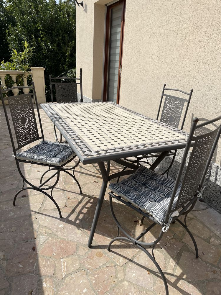 Jolie table de jardin mosaïque et ses 4 chaises 0 Sartrouville (78)