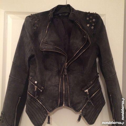 jolie veste jean noir jamais porté 45 Les Essarts-le-Roi (78)