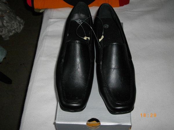 jolis mocassins dame neufs jamais portés coloris noir P 40 14 Dunkerque (59)