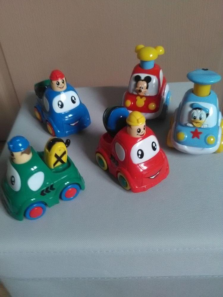 Lot jouet petites voitures appuie et roule 20 Avallon (89)