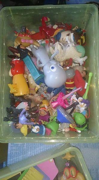 lot de jouet 30 Le Port (97)