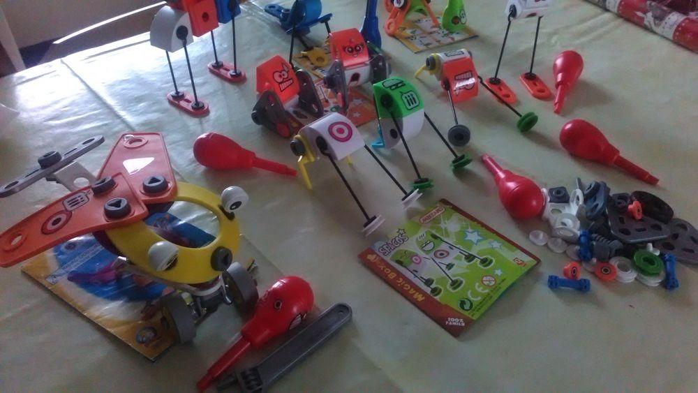 jouets divers 5 Montrond-les-Bains (42)