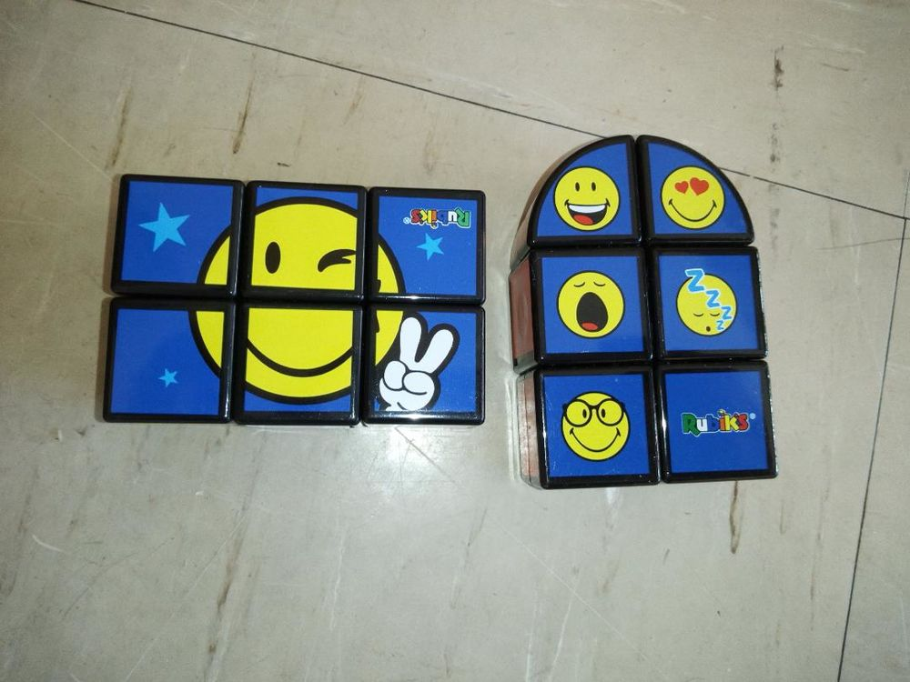 Lot de 2 jouets Smile Mac donald's 1 Aurillac (15)
