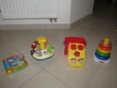 Lot jouets 1er âge 10 Tours (37)