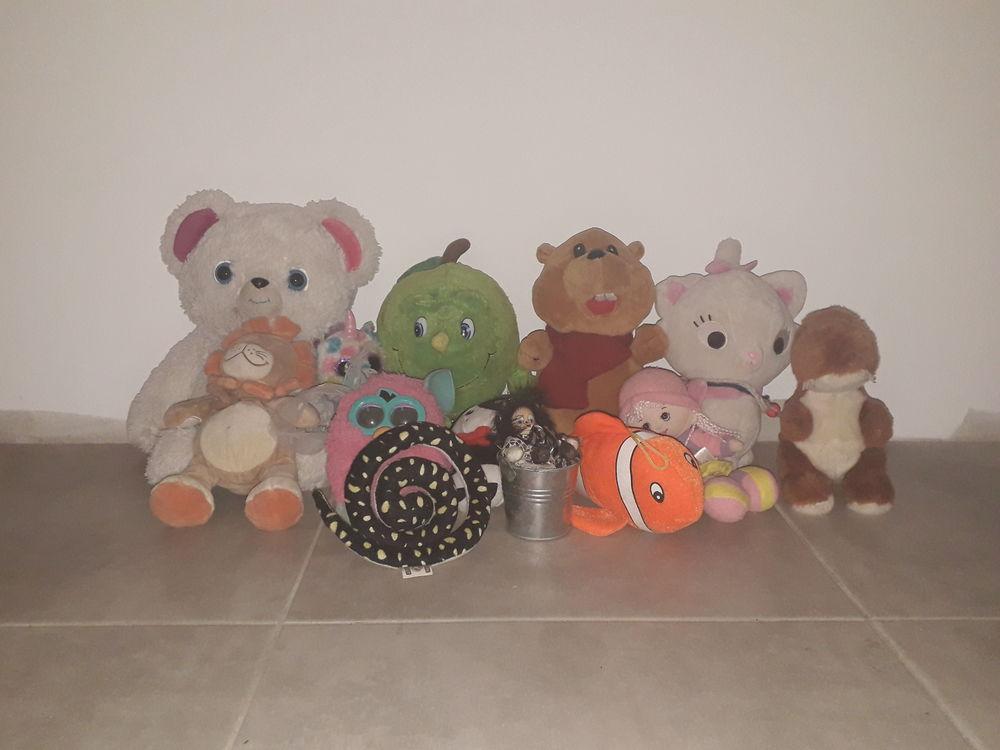 Lot de jouets  30 Gignac (34)