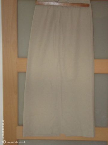 Jupe longue beige 5 La Verdière (83)