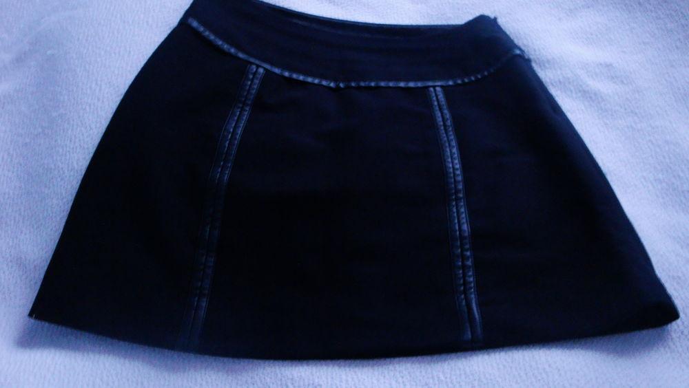 Jupe noire garniture en cuir marque MORGAN 15 Nimes (30)