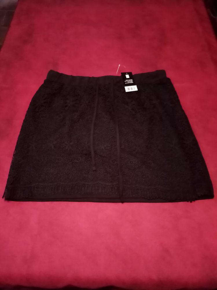 Jupe noire taille L neuve avec étiquette  12 Avermes (03)