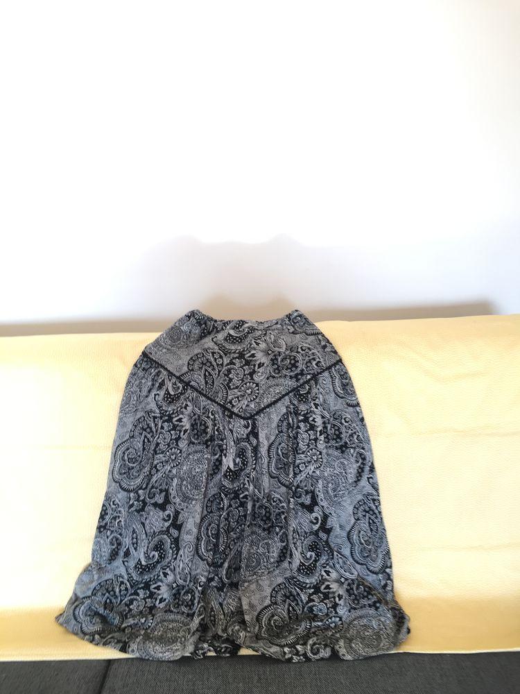 jupe plissée noire 10 Paris 19 (75)