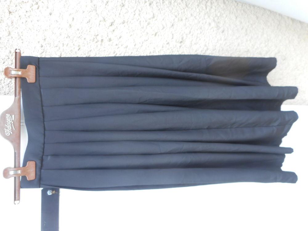Jupe plissée noire vintage 38 12 Nieuil-l'Espoir (86)