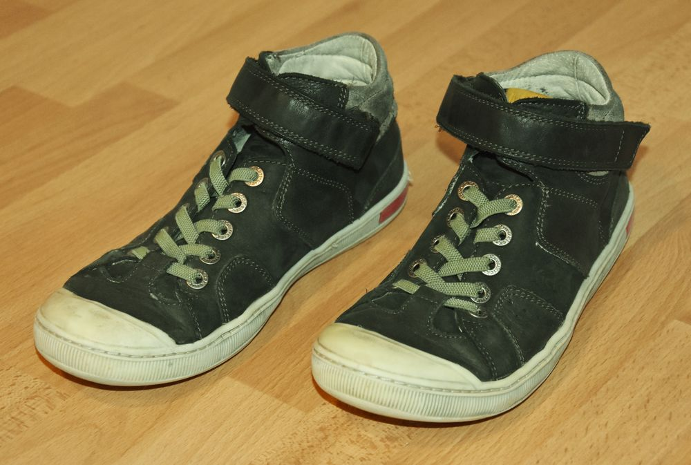 KICKERS   Chaussures KICKERS. Pointure 37.  Scratch. Tbe 20 Gujan-Mestras (33)