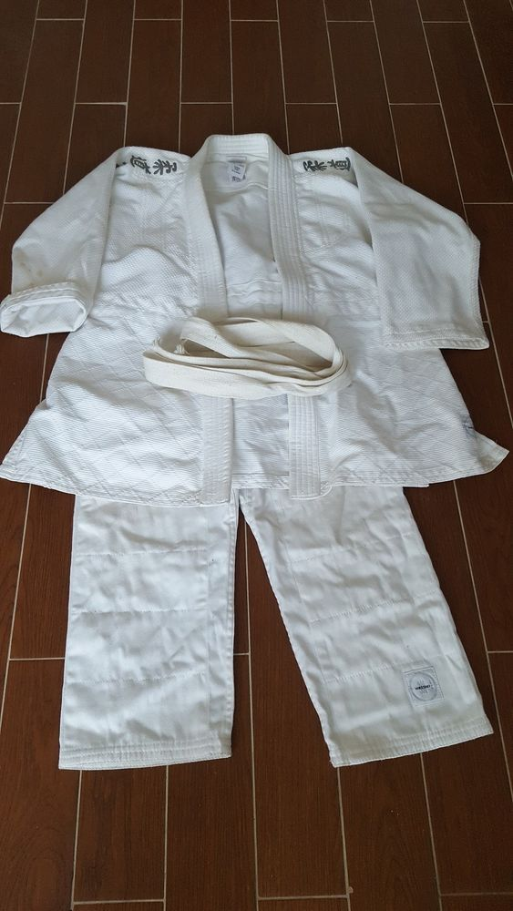 Kimono complet taille 8 ans 12 Clichy (92)