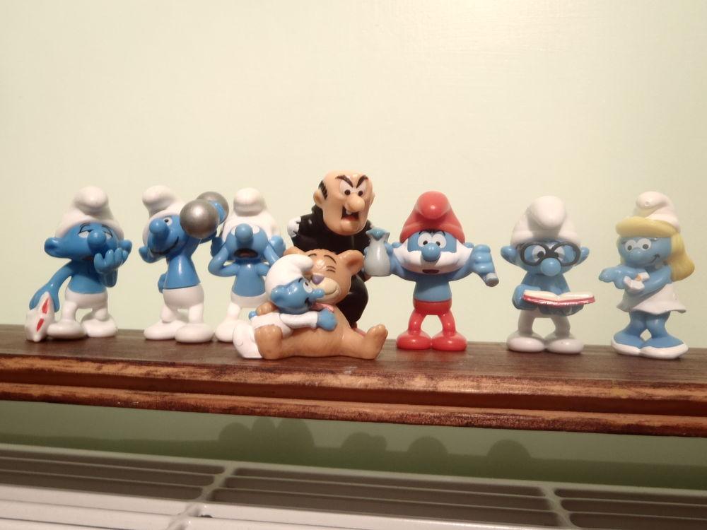 KINDER : Schtroumpfs : 2011 . Série complète Jeux / jouets