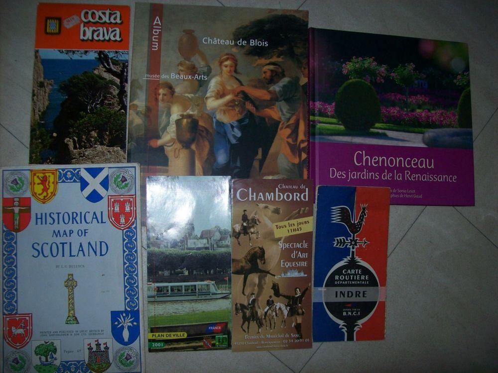 KOUROU, Blois, Fontainebleau .....zoe Livres et BD