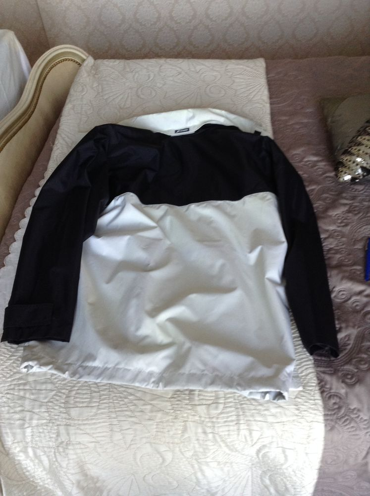 KWAY marque Originale COUPE VENT IMPERMEABLE NEUF TAILLE L  30 Issy-les-Moulineaux (92)