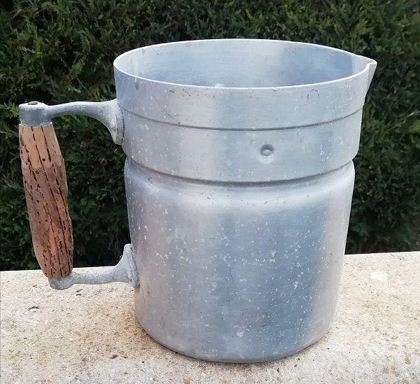 Pot à lait ancien 3 Saint-Genis-d'Hiersac (16)