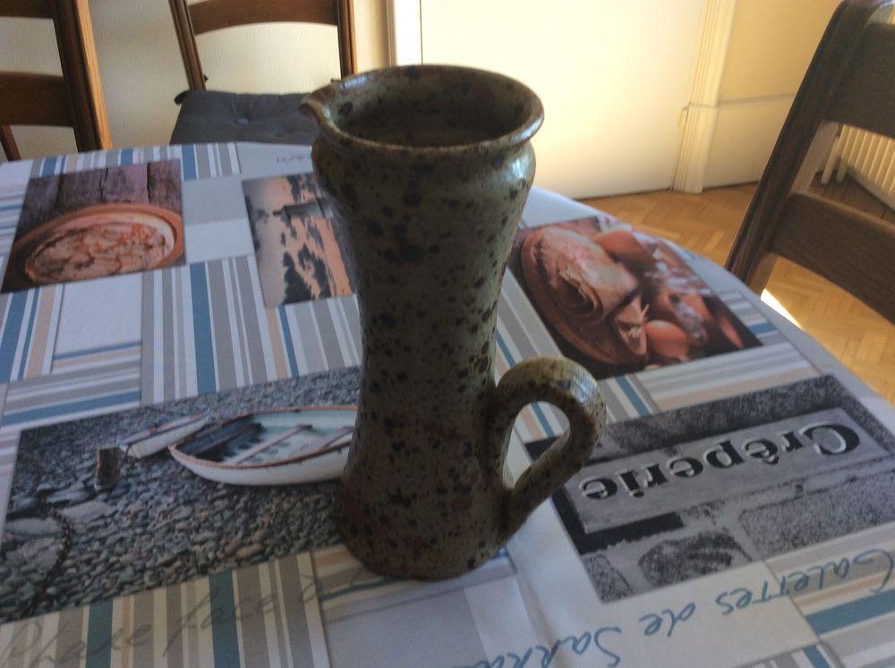 pot à lait terre vernisséeAlsacien 15 Dinan (22)