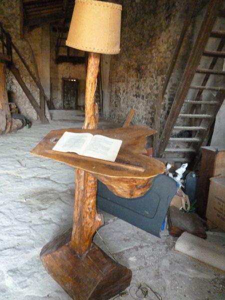 Lampadaire bois ancien 300 Privas (07)