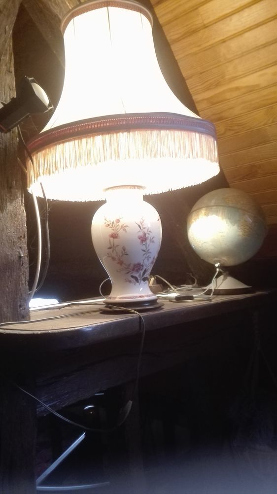 Lampe ancienne en porcelaine 0 Saint-Rémy-sur-Avre (28)