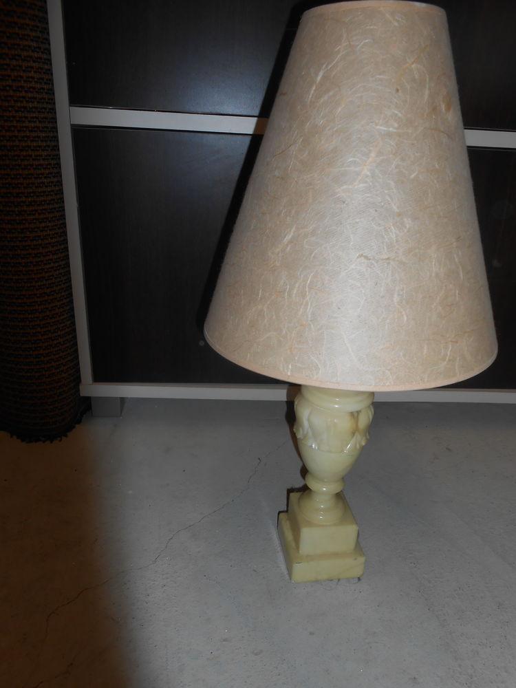 lampe avec pied en marbre 75 Viuz-la-Chiésaz (74)