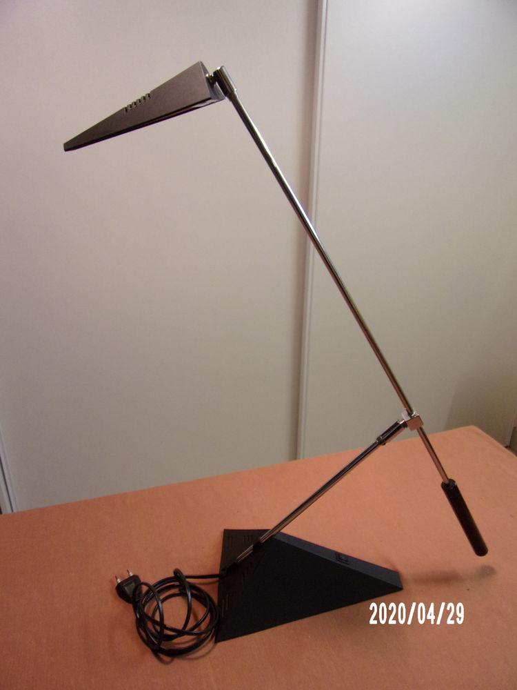 Lampe de Bureau 15 Laillé (35)