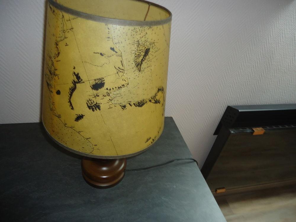 Lampe bureau 15e 15 Saint-Vaast-la-Hougue (50)